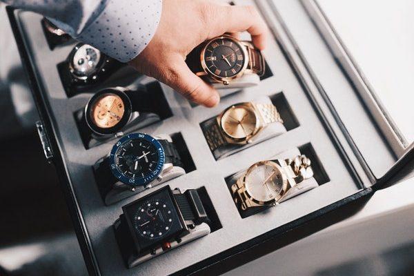 Boîte à montre ou Remontoir automatique